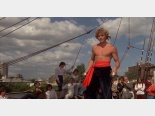 Film o piratach: Frederic (Christopher Atkins).